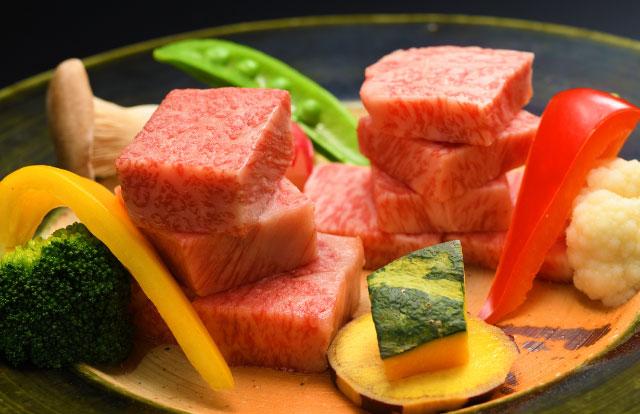 米沢牛と山形牛の食べ比べ